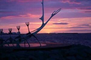 Iceland_viking_ship___Content